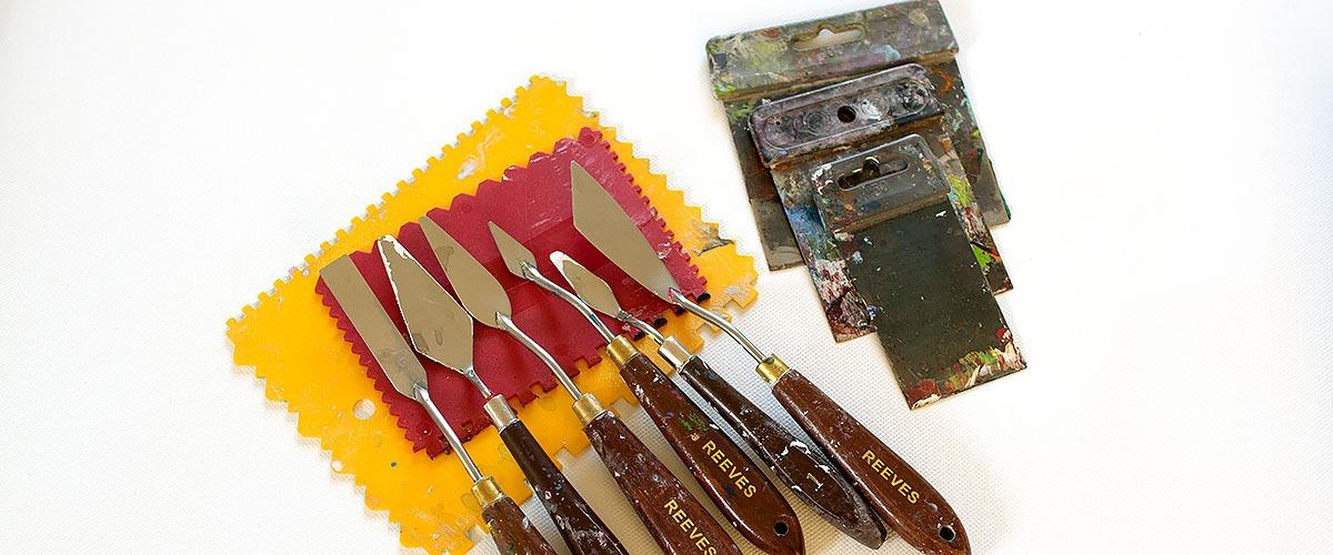 Malmesser und Spatel sind gute Malwerkzeuge