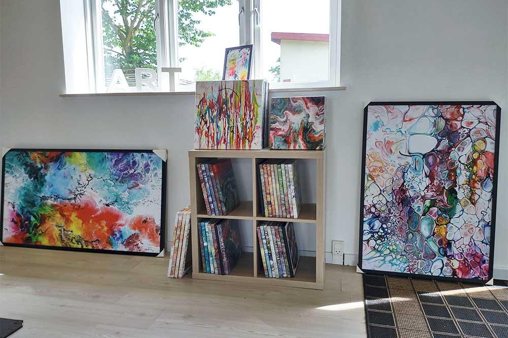 In meiner Galerie können Sie auch kleine Gemälde und Poster sehen